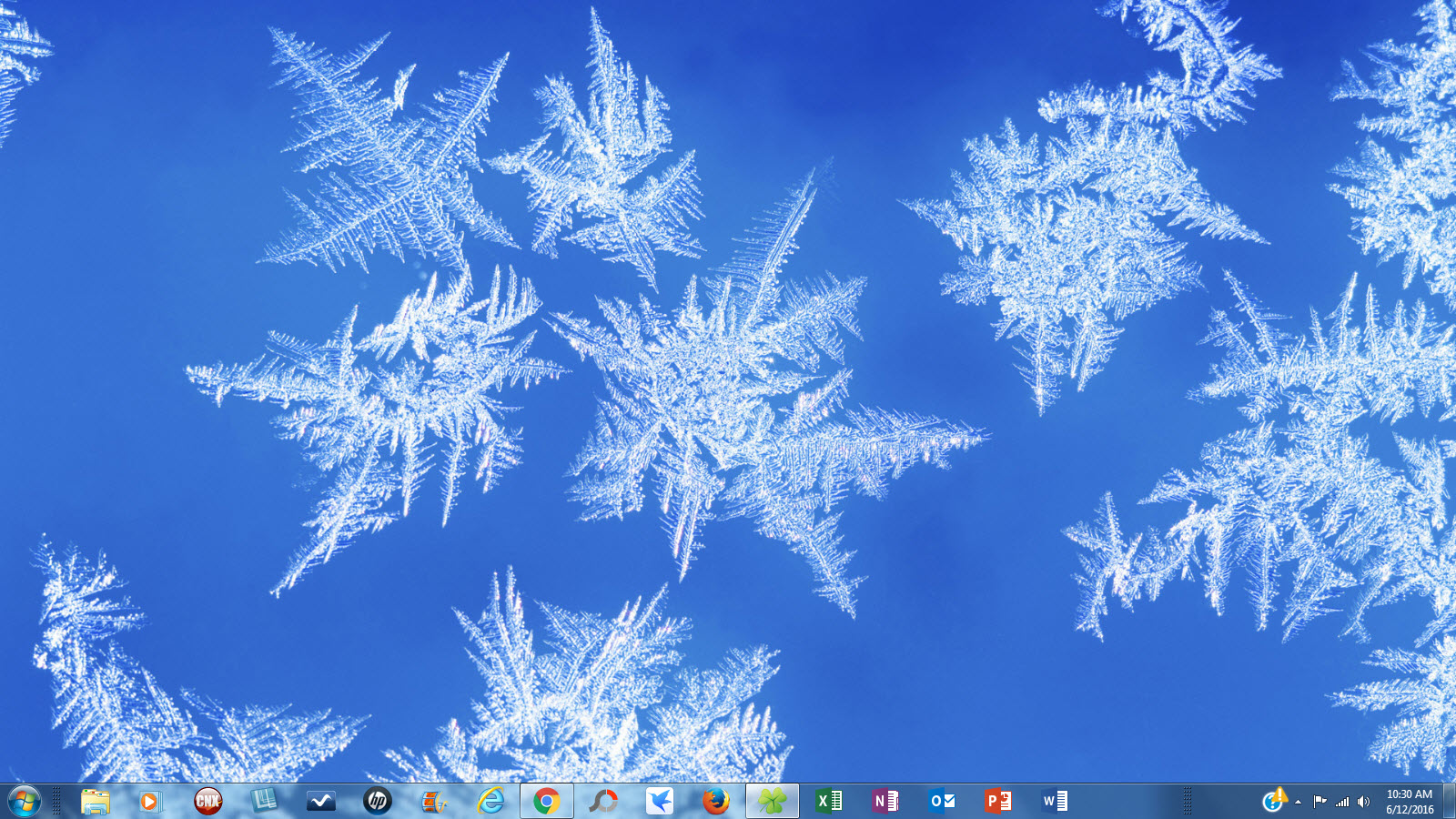 Windows 7 Christmas Theme Snowflakes and Frost